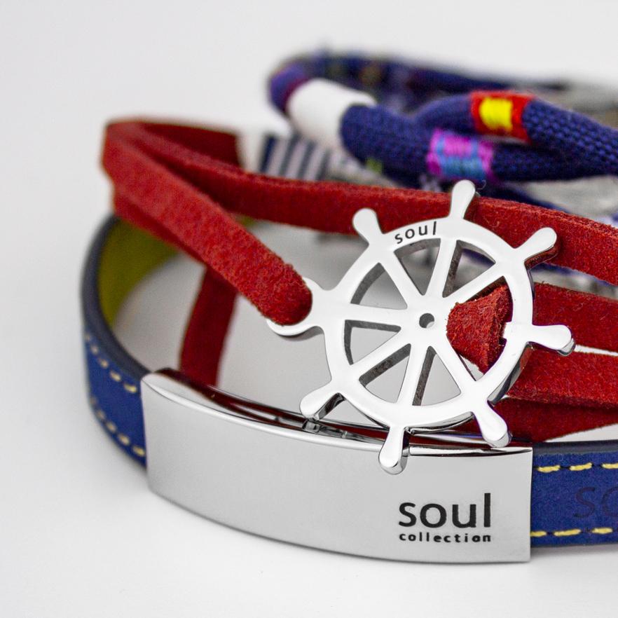 En esta colección encontrarás una gran variedad de pulseras con detalles en acero que serán el mejor complemento.
