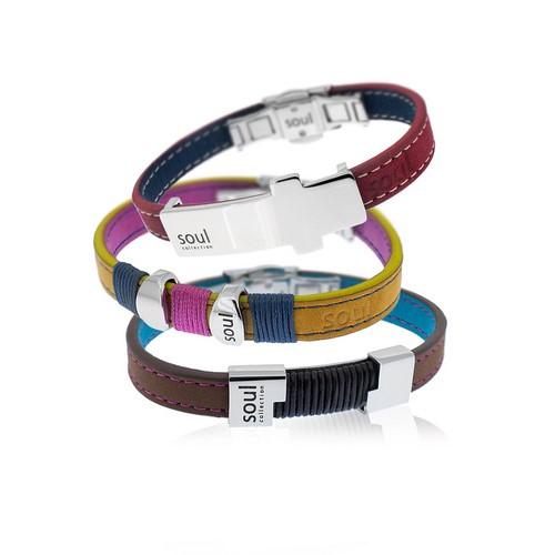 El toque elegante de la combinación de cuero y la plata llegan a SOUL en una colección cargada de diseños modernos.
